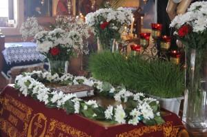 «10 аперля 2015 года, вечерня Великого пятка с выносом Святой Плащаницы и утреня с чином погребения Спасителя».